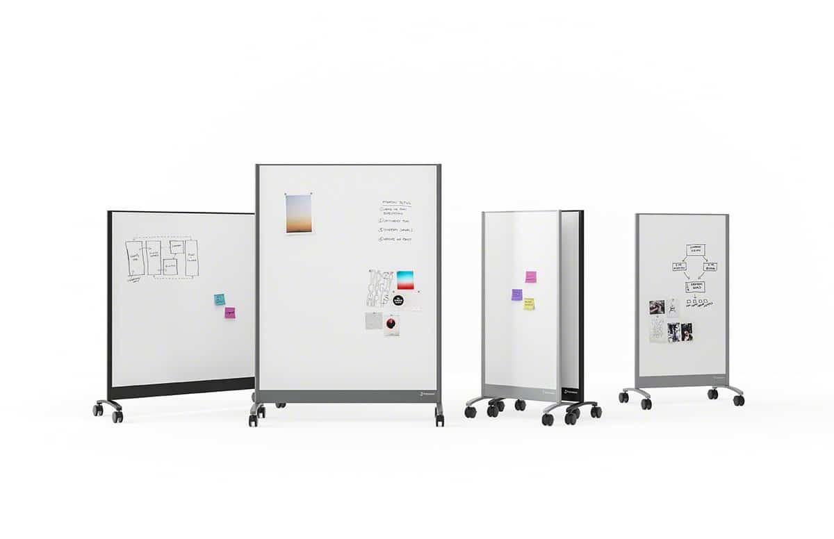 Verschiedene Ansichten mobiler Whiteboards mit Haftnotizen, Magneten und Markerschrift